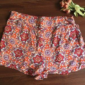 flowy floral shorts!